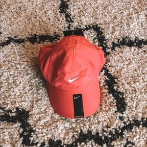 Nike Dri Fit Featherlight Women's Hat